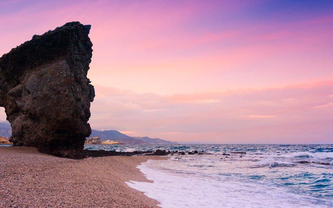 Playas del Cabo de Gata, la costa acantilada mejor conservada del mediterráneo
